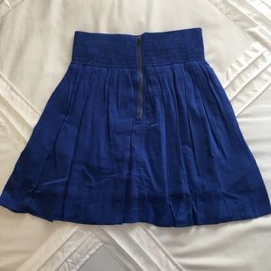 Flirty blue mini skirt with zipper up the front